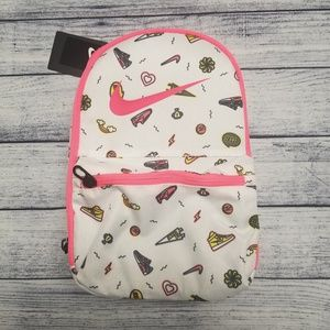 NIKE INSULATED SMALL LUNCH BOX